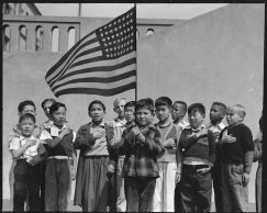 dorothea-lange-internment-camps-11